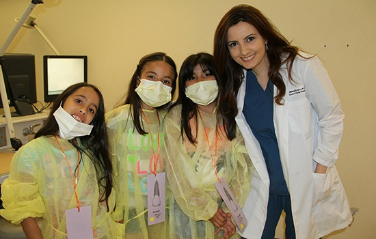 dentist with young patients